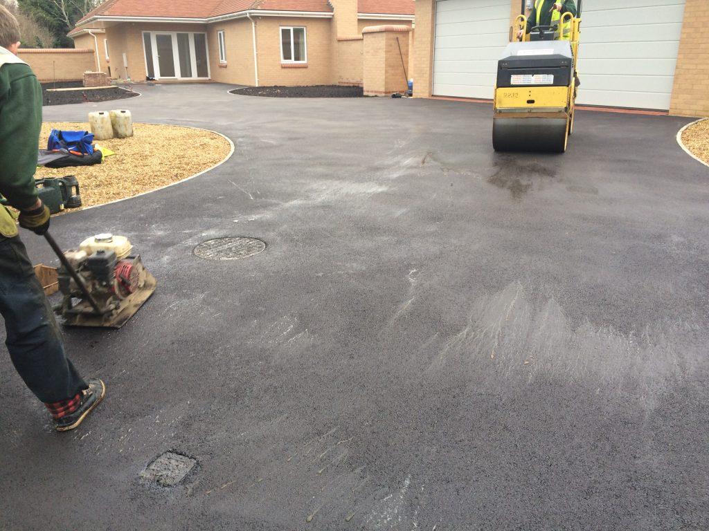 tarmac surfacing contractors